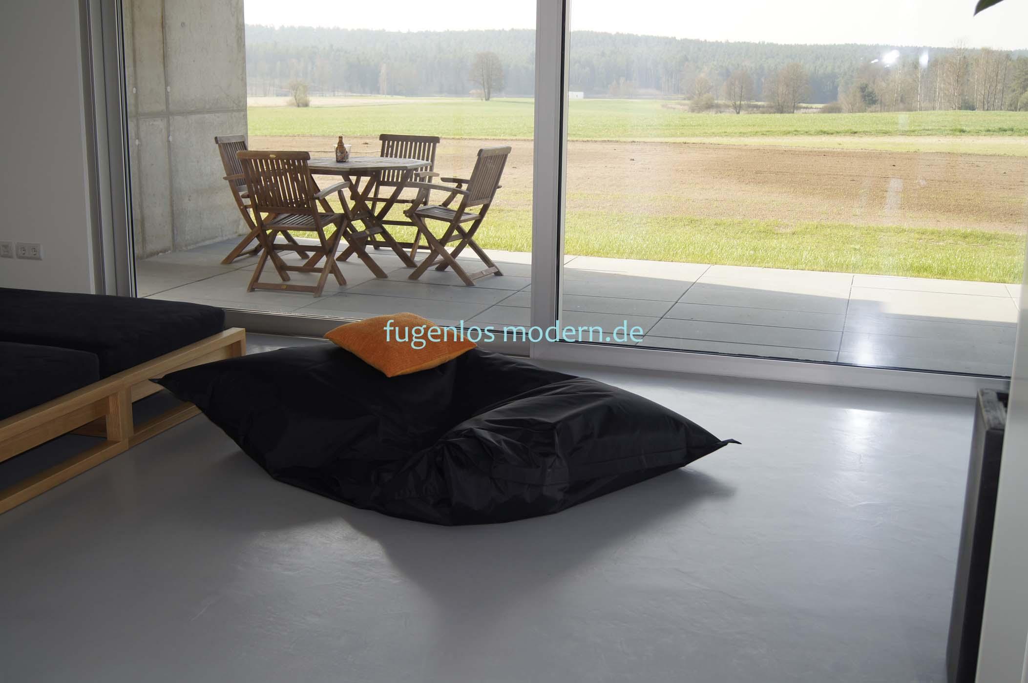 zementboden spachtelb den bad ohne fliesen fugenlos. Black Bedroom Furniture Sets. Home Design Ideas
